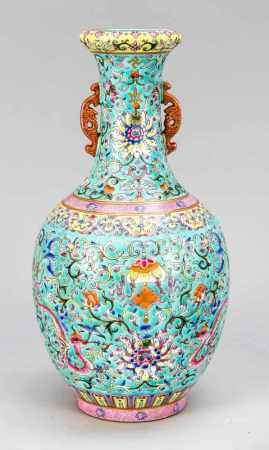 Famile-Rose vase, China, probably 19th century. Bottle vase with retracted lip rim and