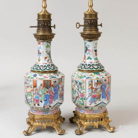 Pair of Gilt-Bronze-Mounted Chinese Export Porcelain Oil Lam