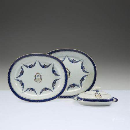 Two Chinese export porcelain graduated oval platters and a s