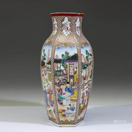 A Chinese export style hexagonal vase, 20th century