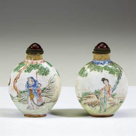 A pair of Chinese enamel snuff bottles,
