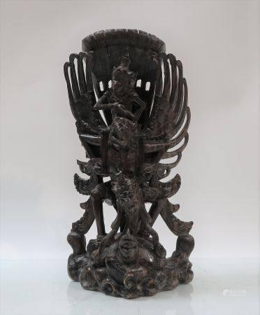 Garuda en bois. Indonésie. Hauteur 42cm. Manques