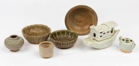 Seven vessels and a model of a sampan Yuan dynasty and later