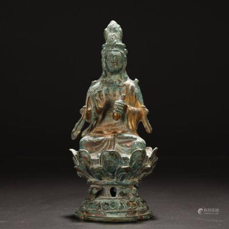 Ancient Brozne Buddha Statue