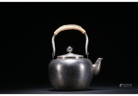 昭和时期铜鎏银全手工捶打锤目纹提梁壶 SHOWA PERIOD COPPER & SILVER HAND MADE TEAPOT