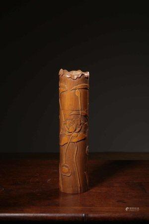 高浮雕荷花纹竹香筒 LOTTUS BAMBOO TUBE