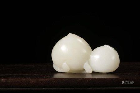 新疆和田白玉寿桃形摆件 HETIAN WHITE JADE PEACH