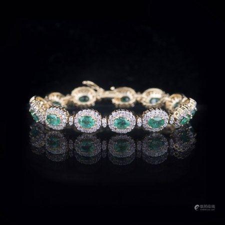 AN EMERALD & DIAMOND BRACELET, GLA CERTIFIED