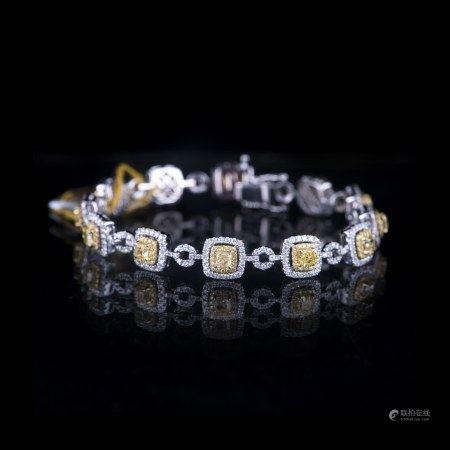 A 14K GOLD DIAMOND BRACELET
