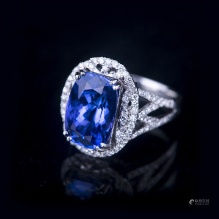 A TANZANITE &DIAMOND RING, GIA & AIG CERTIFIED