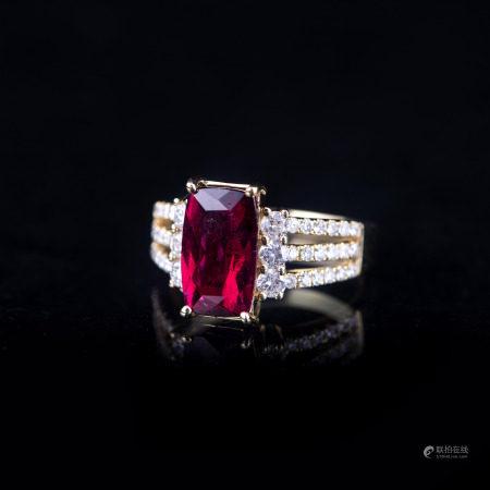 A DIAMOND & RUBYLLITE TOURMALINE RING, IAS CERTIFIED