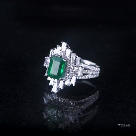 AN EMERALD & DIAMOND RING, AIGL CERTIFIED