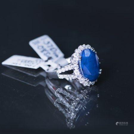 A DIAMOND & BLUE SAPPHIRE RING, IAS CERTIFIED