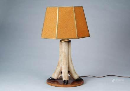 AN ANIMAL FEET LAMP
