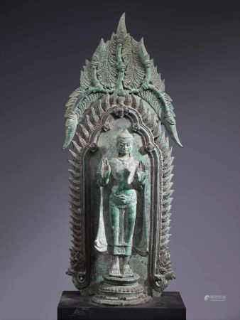 BUDDHABronzeThailand , Lopburi 12th centuryDimensions: Height 40 cm ; Wide 16 cm ; Depth 8 cmWeight:
