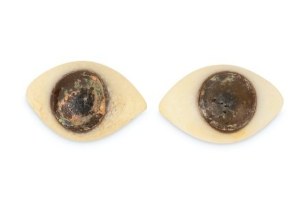 A PAIR OF GLASS EYES, POSSIBLY ANCIENT