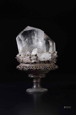Importante cristallo di rocca su base in legno,  - h cm 35 -