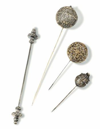 Four filigree hairpins, Italy, 17-1800s - 19cm, 9cm, 10.5cm and 18cm -