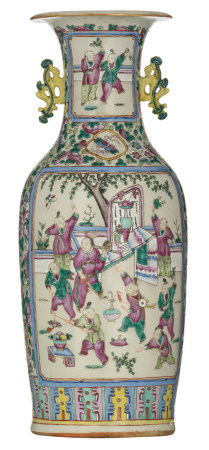 A Chinese famille rose vase, all-over decorated with animated scenes, H 60,5 cm