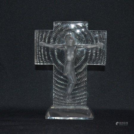 R. LALIQUE  - Christ  - Epreuve en verre blanc moulé pressé, modèle créé en [...]