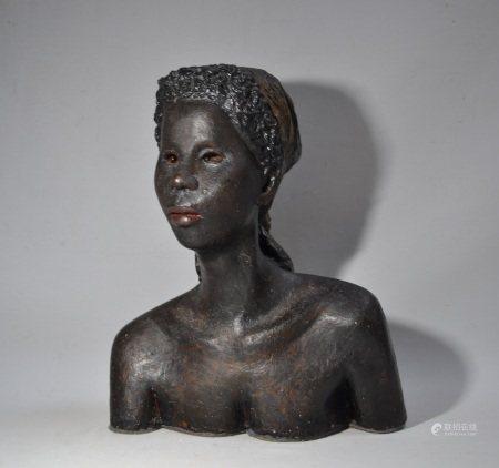 François Xavier JOSSE (1910-1991)  - Buste de dame  - Platre patiné  - H.: 43.5 cm  [...]