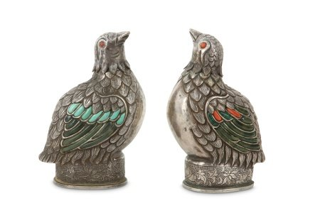 A PAIR OF CHINESE CORAL AND HARDSTONE -INSET WHITE METAL 'QUAIL' SNUFF BOTTLES.