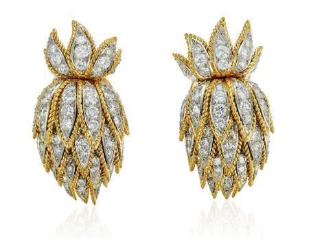 VAN CLEEF & ARPELS DIAMOND AND GOLD EARRINGS