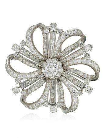 DIAMOND BROOCH WITH GIA REPORT
