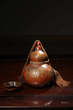 Chinese Qing Dynasty Lacquer Gourd Painted