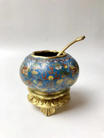 Chinese Qianlong Year Bronze Gold Gilded Cloisonne Dragon Water Vessel Carved Lotus With Ruyi Foot Base
