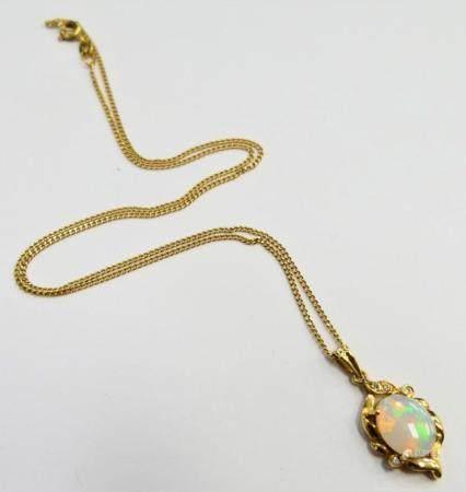 18KT Y GOLD OPAL & DIAMOND NECKLACE & PENDANT
