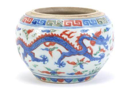 Chinese porcelain wucai pot, hand painted with dragons amongst clouds chasing flaming pearl, six