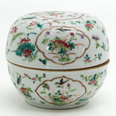 A Round Box with Cover
