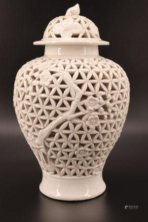 中国 - 白瓷透雕细工花瓶 清代