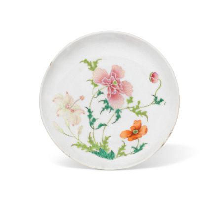 18TH CENTURY 清十八世纪 粉彩花卉纹盘