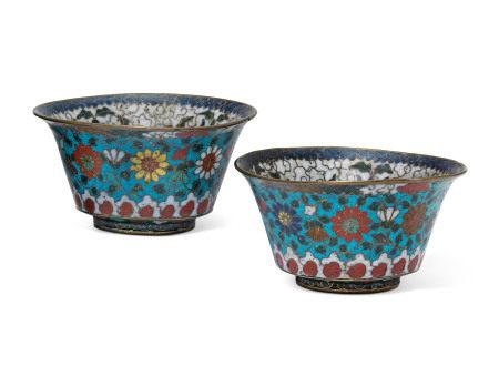 MING DYNASTY (1368-1644) 明 掐丝珐琅花卉纹碗一对