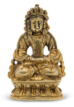 18TH-19TH CENTURY 清十八/十九世纪 鎏金铜无量寿佛小坐像
