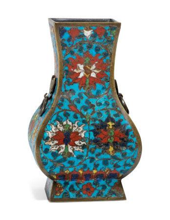 MING DYNASTY (1368-1644) 明 掐丝珐琅花卉纹方壶