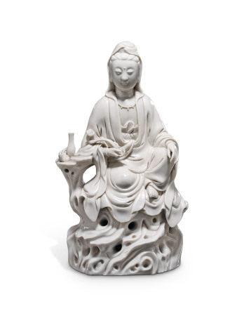 19TH CENTURY 清十九世纪 德化观音坐像