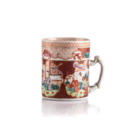 A CHINESE FAMILLE ROSE 'MANDARIN' TANKARD, QING DYNASTY, QIANLONG, 1736 - 1795 Cylindrical,