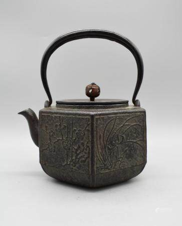 Japanese Hexagunal Iron Kettle with Bronze lid