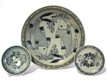 Three Ink Blue Dishes Decorated with Twin Fish,