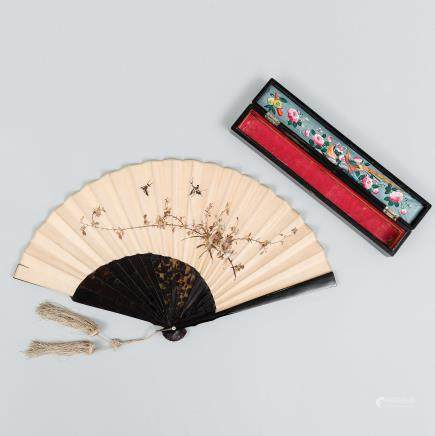 Abanico Chino con varillaje en celulosa. Trabajo Chino, Finales del Siglo XIX – Principios del Siglo XX.