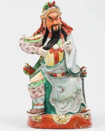 """Guerrero con Pergamino"""" Figura en porcelana China y biscuit. Trabajo Chino, Principios del siglo XX"""