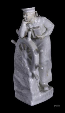 水兵戰士 白釉瓷塑