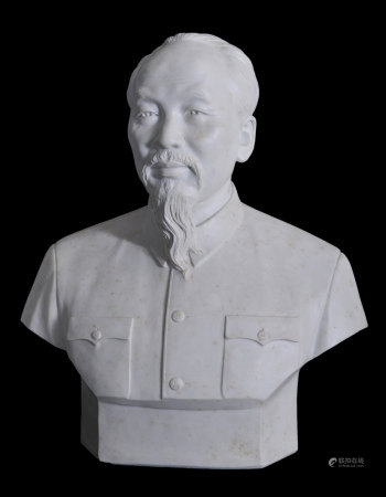 素胎胡志明瓷塑像