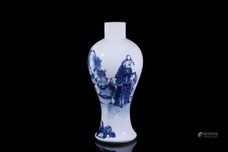 民國青花人物瓶