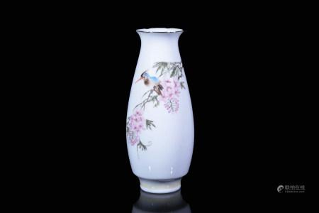 七十年代薄胎花鳥瓶