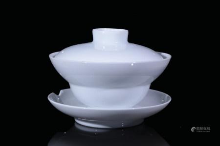 白釉折腰茶盅連蓋