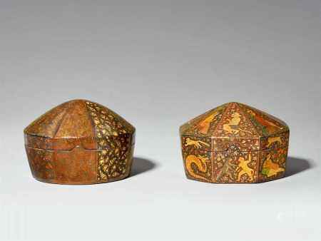 Two Kashmiri lacquered papier maché boxes. India, Jammu-Kashmir. 19th/early 20th century
